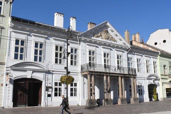 Maďarským majetkom sa stala aj ikonická budova bývalého Ústavného súdu.