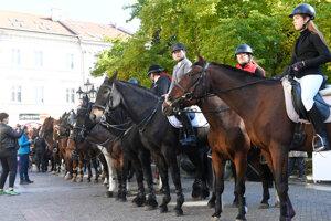 Hubertova jazda sa tradične koná na záver jazdeckej a poľovníckej sezóny.