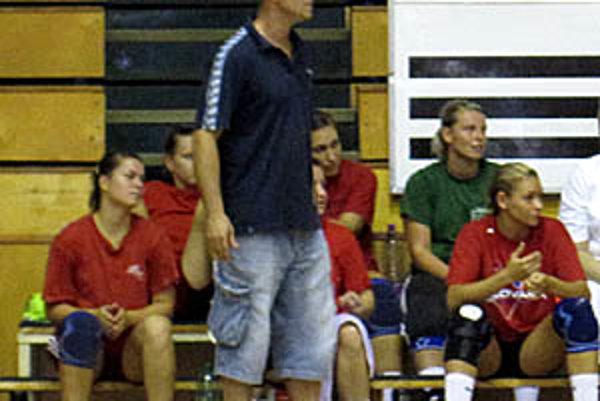 Šalianky, vedené trénerom Lukačínom, v prípravnom zápase porazili Nitru 31:12.
