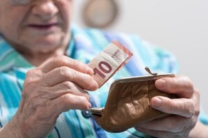 Trináste dôchodky dostanú seniori tento rok skôr.