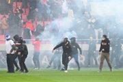 Výtržnosti počas zápasu Trnava - Slovan.