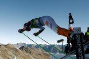 Petra Vlhová pri štarte obrovského slalomu v Söldene.