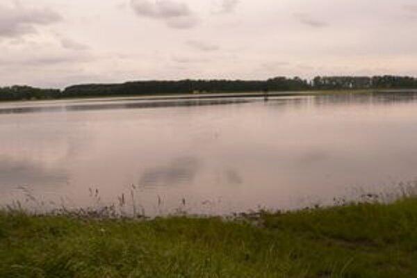 Polia s úrodou sa zmenili na jazerá.