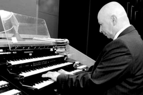 Tohtoročný festival Ars Organi 2010 otvoril koncert Američana Davida Di Fioreho.