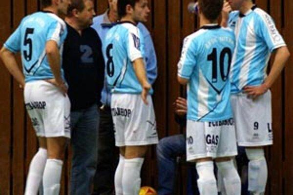 Za celú sezónu sa hráči ŠFsK tešili len raz. Zvyčajne nastupovali v oklieštenej zostave a inkasovali debakle...