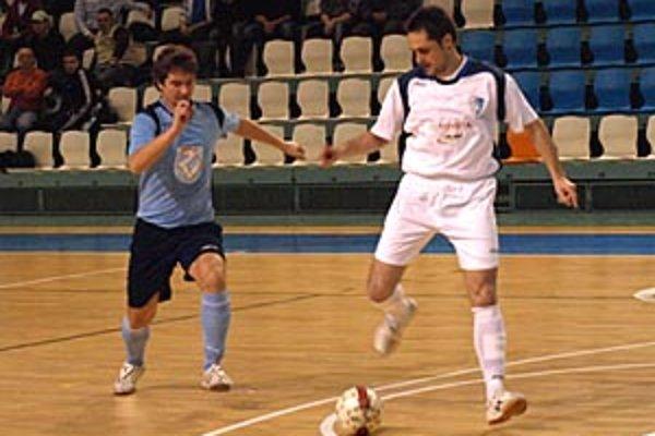 Futsalisti MFsK Nitra zažili šialený záver zápasu s druhou Dubnicou, napokon majú bod.