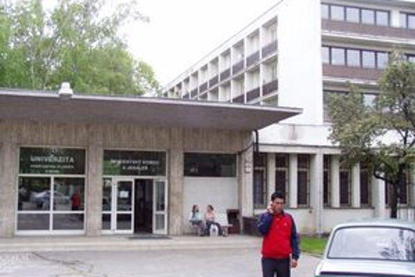 Internáty nestačia, študentov je v Nitre oveľa viac ako miest na ubytovanie.