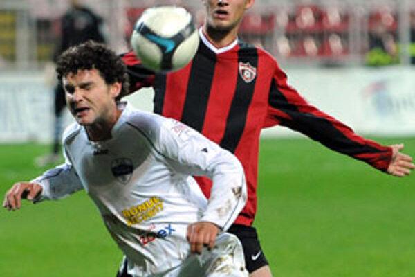 Vyrovnávajúci gól streli netradične hlavou Ivan Hodúr.