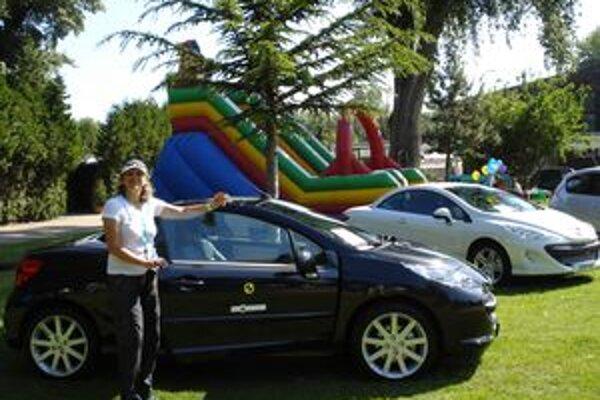 Luxusné autá boli a budú pre ľudí vždy lákadlom.