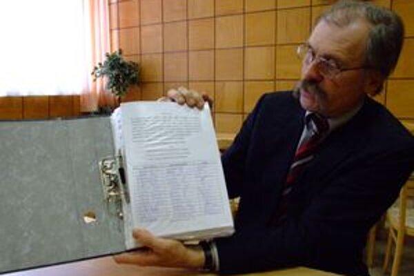 """Poslanci Nitrianskeho samosprávneho kraja """"ignorovali"""" našu petíciu, tvrdí šéf poslaneckého klubu SMK László Forró."""