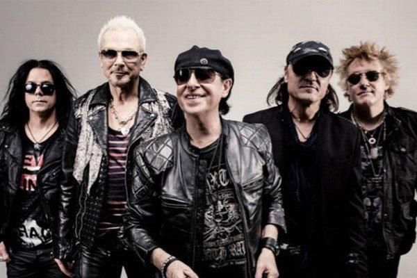Nemecká hard rocková skupina Scorpions je na scéne od roku 1965.