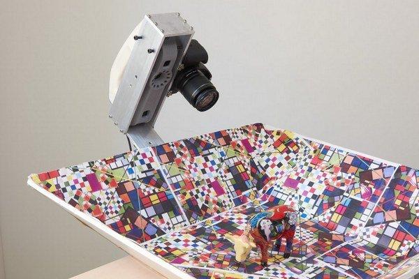 Kamera na snímanie diel v 3D.