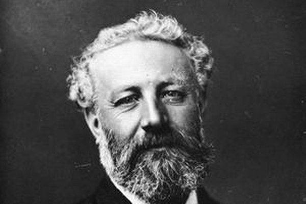 Jules Verne svojich hrdinov poslal na Mesiac aj pod hladinu mora.