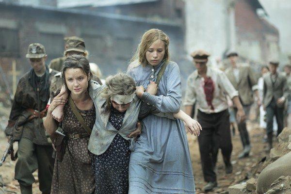 Film Mesto 44  je príbehom z Varšavského povstania.