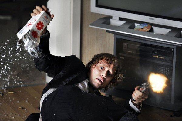 Aksel Hennie vo filme Lovci hláv.