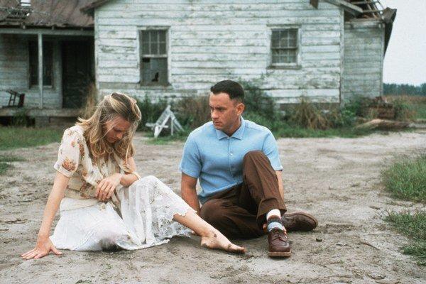 Za stvárnenie mierne hendikepovaného Forresta Gumpa získal Tom Hanks Oscara, partnerkou mu bola Robin Wright.