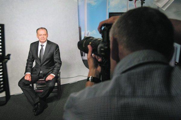Oficiálny portrét prezidenta Andreja Kisku, podobne, ako to bolo u väčšinu jeho predchodcov, fotil fotograf TASR Pavol Neubauer. Výnimkou bola oficiálna fotografia prezidenta Rudolfa Schustera, ktorú vytvorila známa fotografka celebrít Ivona Orešková.