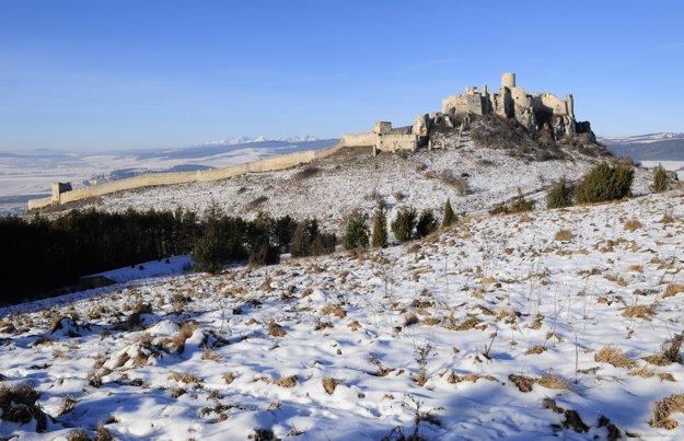 Spišský hrad dominuje okoliu.