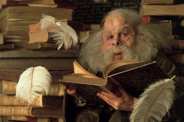 Väčšina hercov nízkeho vzrastu je odsúdená na úlohy škriatkov a elfov. Na snímke Warwick Davis v snímke Harry Potter.