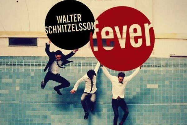 Walter Schnitzelsson si poskákali v bazéne.