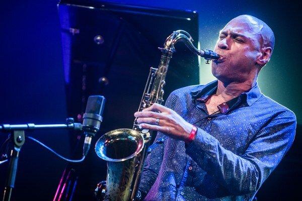 Joshua Redman presvedčil divákov, že tradičné hodnoty v džeze nemusia byť žiadny skanzen.