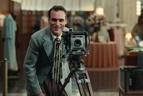 Joaquin Phoenix vo filme The Master.