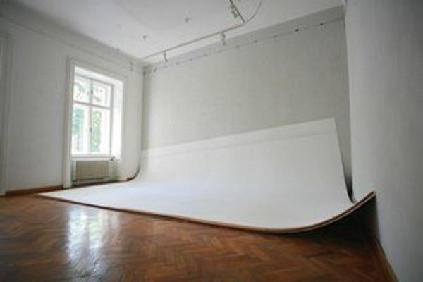 Unavená stena v galérii Medium.