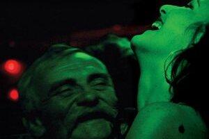Hlavnú úlohu, Rómku hľadajúcu prácu v meste Aš, hrá vo filme Ivety Grófovej Dorotka Bílá.