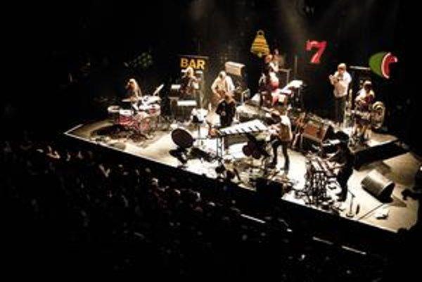 Jaga Jazzist tvorí deväť hudobníkov. Takmer všetci ovládajú hru na viacero nástrojov.