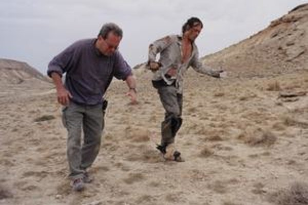 Terry Gilliam a Johnny Depp. Nakrúca sa film Muž, ktorý zabil Dona Quijota a o chvíľu príde búrka.