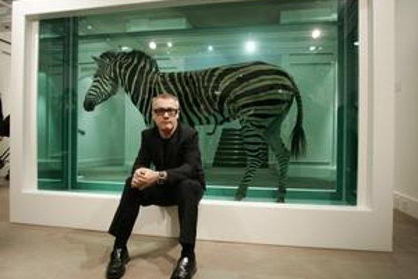 Vkladať rôzne objekty do sklených vitrín nie je nápad Damiena Hirsta, jemu sa však podarilo na ňom najviac zbohatnúť. Okrem žralokov zalial konzervačným roztokom aj ďalšie zvieratá