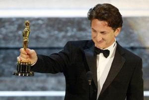 Sean Penn má dvoch Oscarov a obdiv Julianny Mooreovej.