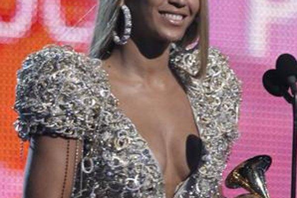 Beyoncé má po nedeli už šestnásť Grammy.