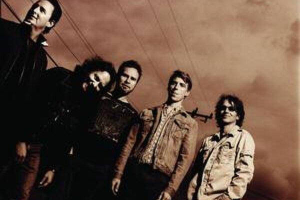 Eddie Vedder (druhý zľava) a jeho spoluhráči fungujú na scéne už od roku 1990.