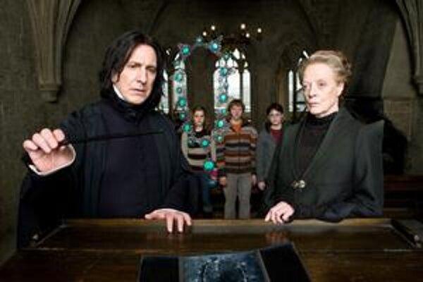Harry Potter už zase v škole.