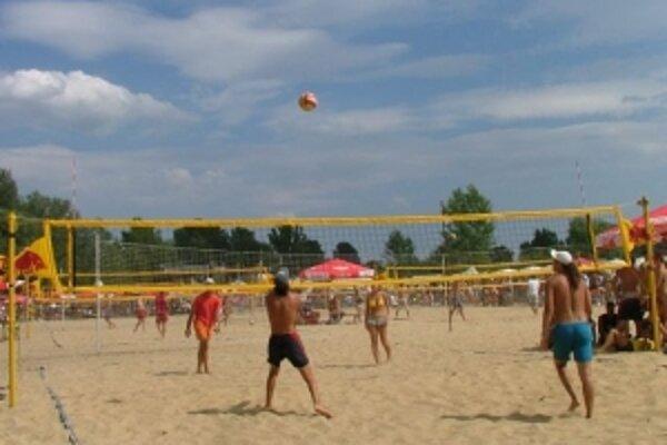 Najväčšiu tradíciu má v Rudave plážový volejbal.