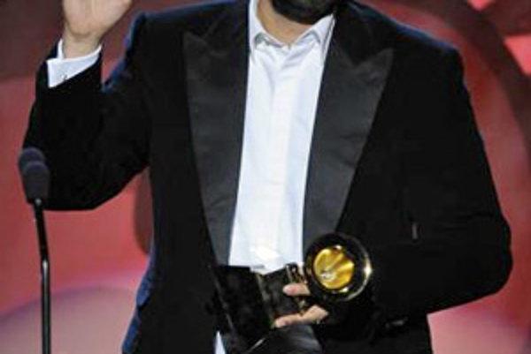 Juan Luis Guerra preberá cenu za najlepší latinový album La Llave De Mi Corazon na odovzdávaní cien Grammy (10.2.2008).
