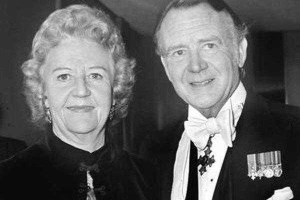 Manželstvo Johna Millsa s dramatičkou Mary Hayley Bell trvalo viac ako šesťdesiat rokov. Snímka pochádza z roku 1971.