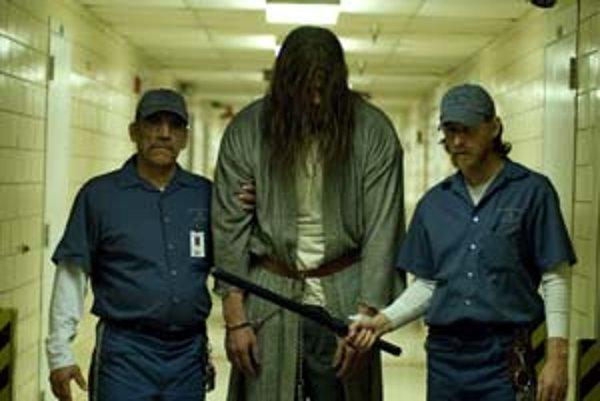 Pätnásť rokov ho väznili v ústave – bude jeho budúcnosť hororová alebo bude hororová úroveň jeho filmového príbehu?