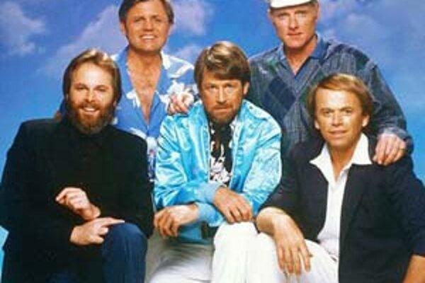 The Beach Boys. Carl Wilson úplne vľavo.