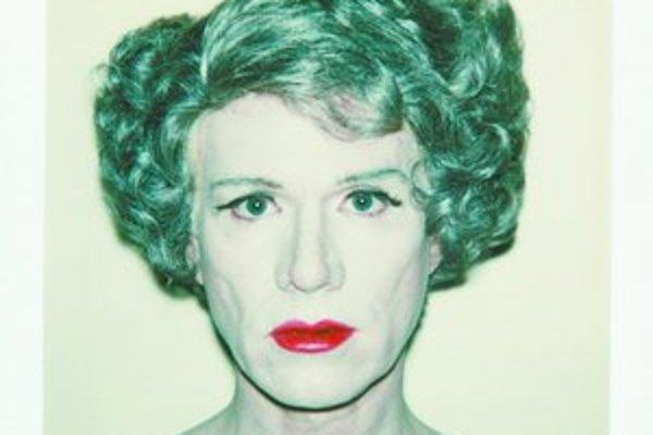 Andy Warhol a jeho Autoportrét (Self-portrait in Drag), 1980.