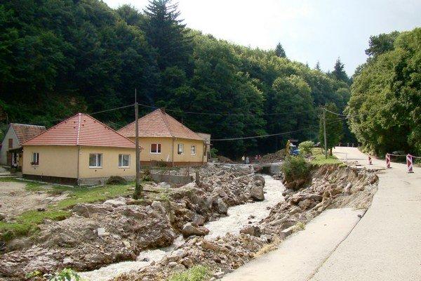 Po troch rokoch od povodne sa môže obec venovať projektom, ktoré ju zveľadia.