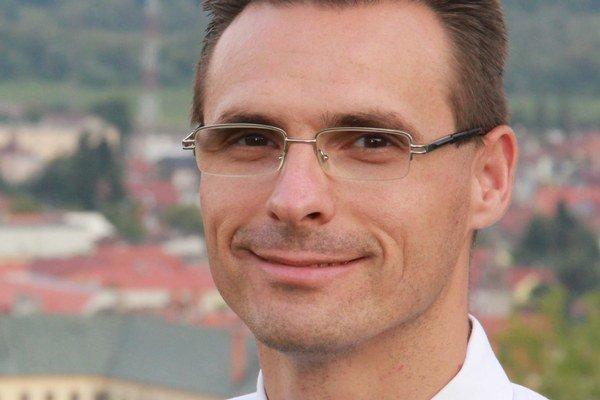 Od roku 2007 pôsobil Šimon Gabura vo funkcii hlavného kontrolóra mesta.