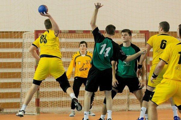 Pezinok s Modrou sa po dvoch rokoch stretnú v malokarpatskom derby.