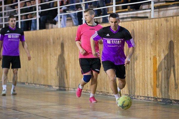 Minuloročné finále medzi neskorším víťazom FC Selavy a druhým Palermom.