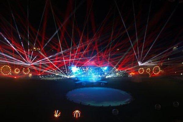 Laserová šou počas sobotného otvorenia City Areny.