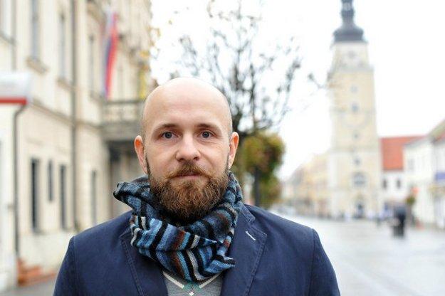 Peter Bročka pred rokom, už ako víťaz volieb.