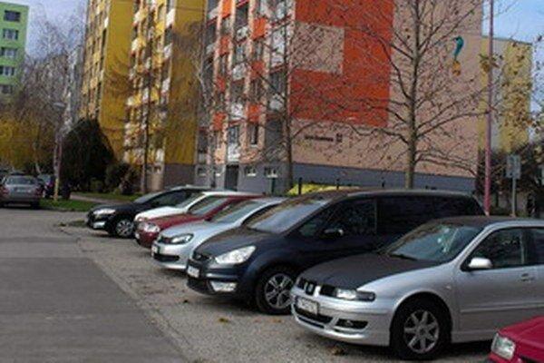 Parkovanie na Linčianskej.