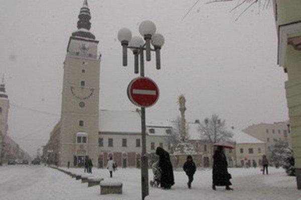 Minuloročná zima potrápila cestárov.