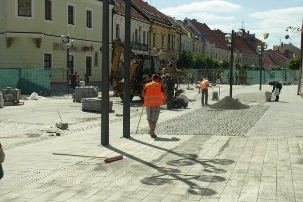 Prvá etapa rekonštrukcie Hlavnej ulice tesne pred dokončením.